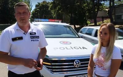 Policajti natočili falošné video, kde dievčaťu roztrhli slúchadlá. Cieľom bola kampaň za obozretnosť chodcov
