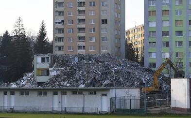 Polícia naďalej vyšetruje prípad explózie paneláku v Prešove. Koľko bude stáť odvoz sutín z Mukačevskej ulice?
