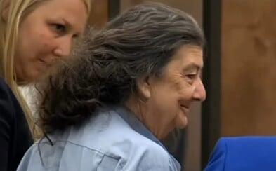 Polícia prinútila ženu priznať sa k vražde, ktorú nespáchala. Za mrežami sedela 35 rokov