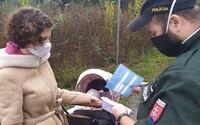 Polícia rozbehla celoslovenskú akciu, kontroluje certifikáty z testovania. Pripomína 1000-eurové pokuty