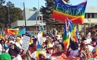 Polícia sa im vyhrážala, no práve zažili prvý Dúhový Pride. Homosexuálom v Svazijsku nechýba odvaha