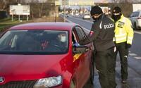 Polícia sprísnila kontroly v bratislavskom kraji, monitoruje hlavné cestné ťahy, hranice okresov, obchody či vlakové stanice