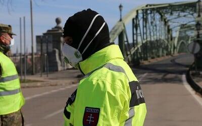 Polícia už rieši 149 Slovákov, ktorí nedodržujú povinnú 14-dňovú karanténu. Pribúda aj počet nezatvorených prevádzok