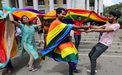 Polícia v Istanbule rozohnala LGBTI komunitu slzným plynom, chceli zabrániť zhromaždeniu