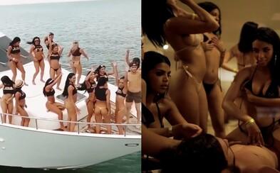 Polícia v Karibiku nechce dovoliť, aby sa sexuálny ostrov so 100 prostitútkami a hromadou drog uskutočnil