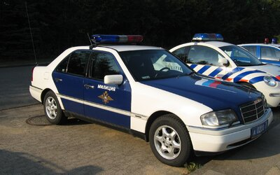 Polícia v Rusku vymyslela reality šou o kradnutí áut, kde zlodejov chytala. Rusov mal nový formát od kradnutia odradiť, stal sa však úplný opak