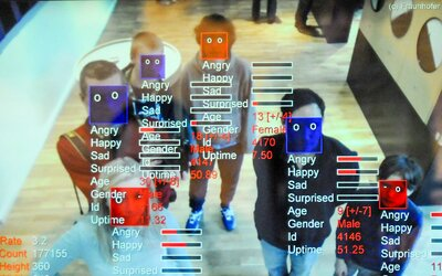 Policie v Praze chce experimentovat s kamerami na rozpoznávání obličejů