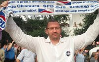 Policie zadržela poslance Volného, píše CNN Prima NEWS