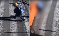 Policie zveřejnila video, jak malého chlapce srazilo auto. Chtěl rychle přeběhnout přes přechod