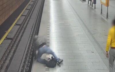 Policii se přihlásil cizinec, který strčil muže pod přijíždějící pražské metro