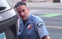 Policista obviněný z vraždy George Floyda byl propuštěn na kauci