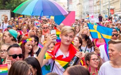 Policisté chodí hlídat Prague Pride rádi, ve vzduchu se vznáší láska, říká mluvčí festivalu