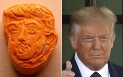 Policisté zajistili extázi ve tvaru hlavy Donalda Trumpa. Upozorňují na její nebezpečný chemický obsah
