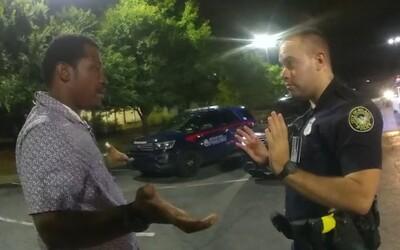 Policistu, který minulý týden zastřelil Afroameričana Raysharda Brookse, obvinili z vraždy. Hrozí mu trest smrti