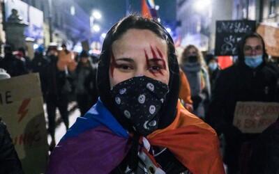 Polky si mohou přerušení těhotenství vyvolat samy, ale jít na zákrok k doktorovi nesmí, říká polská aktivistka Jolanta