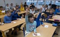 Polovica škôl na Slovensku nie je spokojná s kvalitou učebníc. Najhoršie je na tom matematika
