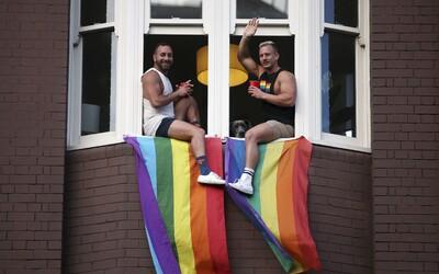 Polovica slovenských gayov zažila urážky a konflikty spojené s ich orientáciou. Najväčší LGBT prieskum nepriniesol potešujúce výsledky