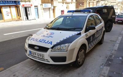 Polovicu dopravných policajtov na Malte zatkli, dôvodom sú podozrenia z podvodu