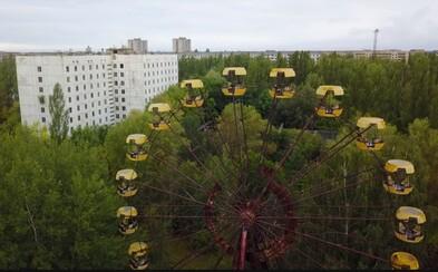 Polští turisté zprovoznili slavné ruské kolo v Černobylu. Město Pripjať jim zřejmě nepřišlo dostatečně zajímavé