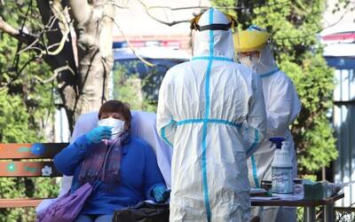 Poľsko hlási najvyšší prírastok počtu nakazených koronavírusom od začiatku pandémie, stúpajú obete aj hospitalizovaní