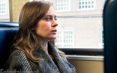 Ponurý thriller The Girl on the Train nás zavedie do prostredia plného lží a intríg