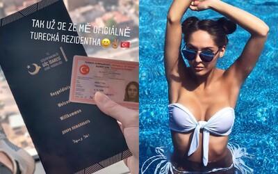 Popálená Týnuš Třešničková dostala tureckou občanku, návrat do Česka se stále oddaluje. Odhalila omylem svou tvář?