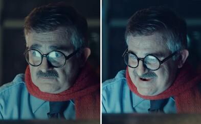 PornHub vo svojej vianočnej reklame vie, ako vyčariť úsmevy na tvárach smútiacich ľudí. Každému želá krásne a nadržané sviatky