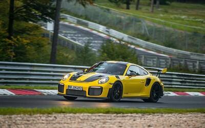 Porsche je opět králem Nürburgringu. 911 GT2 RS předvědlo rekordní jízdu na Severní smyčce