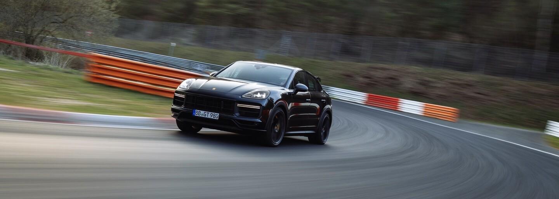 """Porsche má další rekord na Nürburgringu, chystaný """"Performance Cayenne"""" je nejrychlejším SUV na slavném okruhu"""