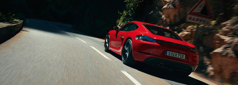 Porsche otáčí a v 718 nahrazuje čtyřválec šestiválcem o 400 koních