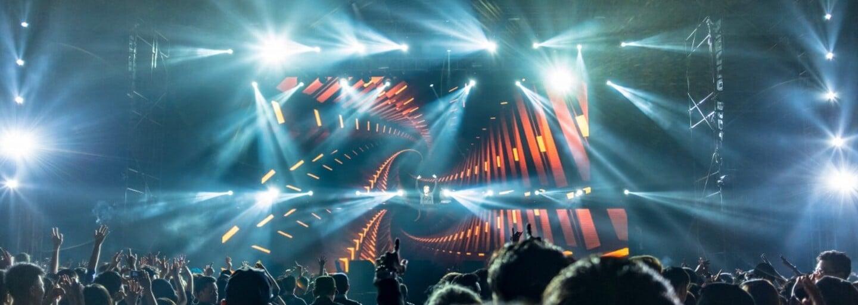 Poslední party roku v rytmu exkluzivních techno DJs z Německa, Izraele a Česka? To je silvestrovský mejdan Komiks x Tetris