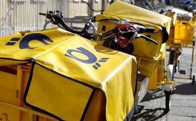Poštárka si v práci zotrela žreby v hodnote dvetisíc eur, obvinili ju zo sprenevery
