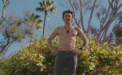 Potetovaný a fuckujúci James Franco po boku Bryana Cranstona v necenzurovanom traileri pre komédiu Why Him?