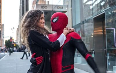Potitulková scéna ve filmu Spider-Man: Daleko od domova obsahuje nejlepší cameo v historii MCU