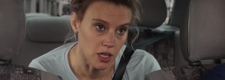 Pôvabné kamarátky Mila Kunis a Kate McKinnon sa v bláznivej komédii na štýl bondoviek zapletú do sveta a nájomných zabijakov
