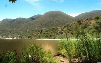 Pozeráš sa na rozľahlé jazero alebo obyčajnú stenu? Optická ilúzia dokáže ľudí poriadne zmiasť