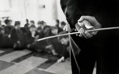 Poznej 5 znepokojujících případů, kdy učitelé obrátili svoji frustraci vůči bezbranným studentům