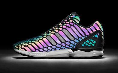 Pozoruhodné XENO modely od adidas žiaria farbami, aj keď sú čierne