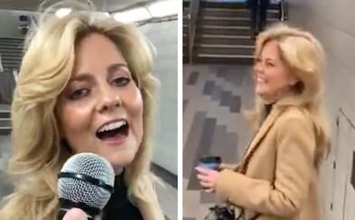 Pusť si video, které pobláznilo svět. Žena v metru zazpívala skladbu Shallow lépe než Lady Gaga