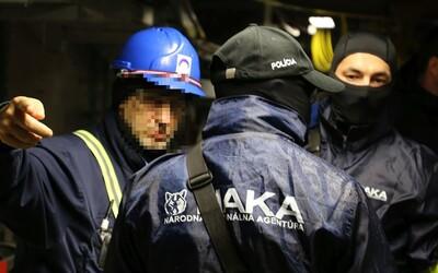 Pozri si video z razie NAKA v jadrovej elektrárni Mochovce. Na mieste zasahovalo vyše 100 policajtov
