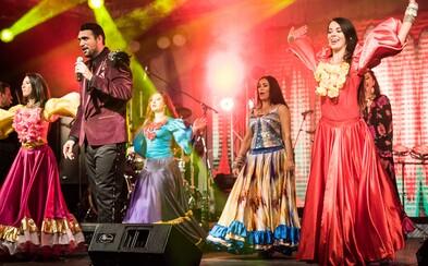Pozrite sa, ako to vyzeralo na jednom z najväčších rómskych festivalov na svete (Fotoreport)
