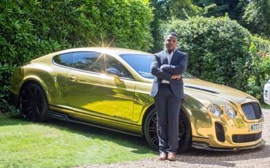 Pracoval pro McDonald's, ale nyní se vozí ve zlatém Bentley. Šikovnost 19letému Robertu určitě nechybí