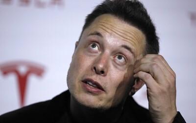Pracuje 17 hodin denně a poslední dovolenou měl v roce 2001. Doktoři jsou z Elona Muska zděšení