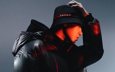 Prada představila nové futuristické tenisky, které jsou kombinací několika modelů Nike Air Max
