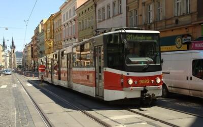 Praha chce zdražit jízdné v MHD. Roční kupon na Lítačku by měl stát až 5 400 Kč