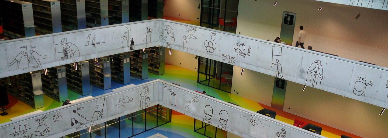 Praha nechala vyrobit lavičku za 850 tisíc. Má přidanou hodnotu – dá se na ní sedět, vysvětluje její vysokou cenu radnice