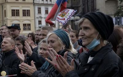 Praha se chystá na 28. říjen. Čekají ji protesty i kladení věnců