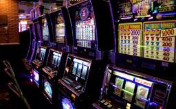Praha zakázala herní automaty a videoloterijní terminály