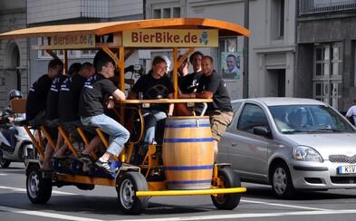 Praha zakáže pivní kola. Otravná vozítka s opilci zmizí z ulic ještě letos