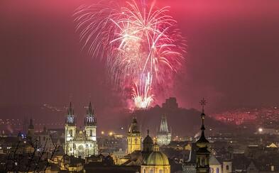 Praha zakáže velké ohňostroje. Odpalovat se budou moci jen o státních svátcích